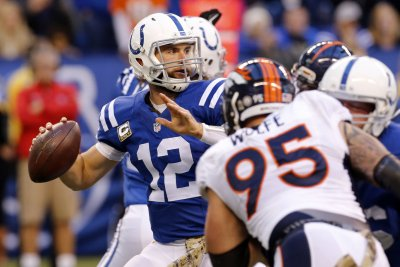 Indianapolis Colts unconcerned Andrew Luck still not throwing