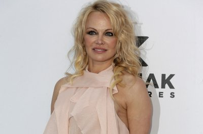 Pamela Anderson, Jon Peters taking 'time apart' after marrying last month