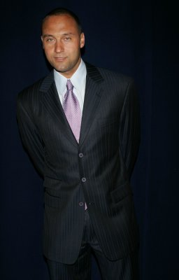 Cashman: Jeter staying at short for now