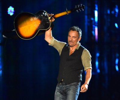 Bruce Springsteen breaks personal record for longest show, teases autobiography