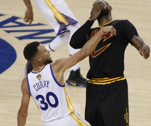 LeBron James says rival Stephen Curry should get more than $201 million
