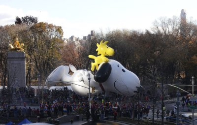 Giant balloons fly high at Macy's parade