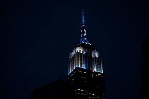 Empire State Building glows blue for Derek Jeter