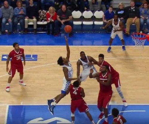 No. 6 Kentucky pulls away from Arkansas 97-71