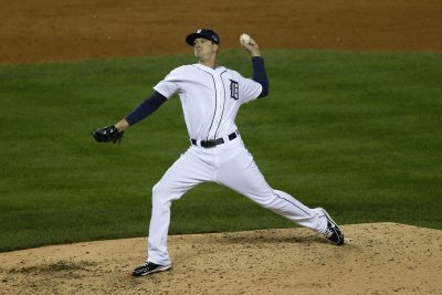 Seattle Mariners acquire LHP Drew Smyly from Tampa Bay Rays for three players