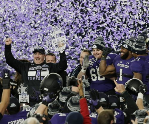 Northwestern extends contact of football coach Pat Fitzgerald through 2026