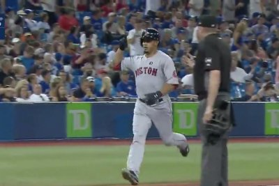 Marco Hernandez's pinch-hit home run lifts Red Sox over Blue Jays