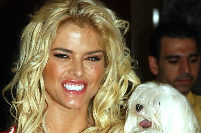 Anna Nicole Smith documentary to explore relationship with Larry Birkhead