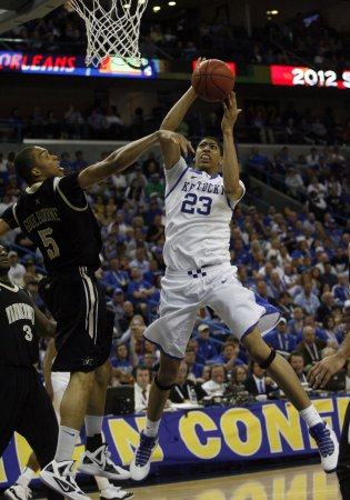 Davis, 4 other Wildcats declare for draft
