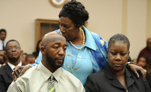 Video: No evidence of injury to Zimmerman
