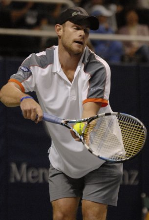 Roddick claims third SAP Open crown