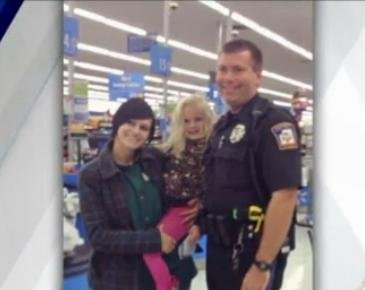 Police officer gives mom new carseat instead of ticket
