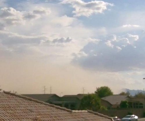 Greater Phoenix area hit by dust storm; power restored to thousands