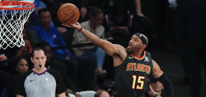 size 40 2cbae a8a56 Hawks' Vince Carter scores 25K point on dunk - UPI.com