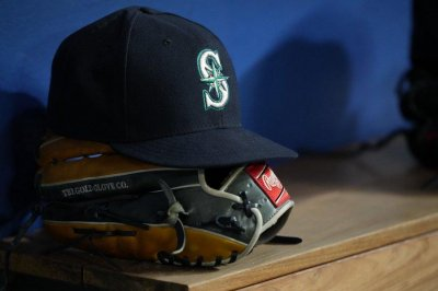Seattle Mariners put four players on COVID-19 list after positive test
