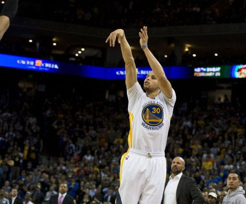 Steph Curry, Golden State Warriors beat Oklahoma City Thunder