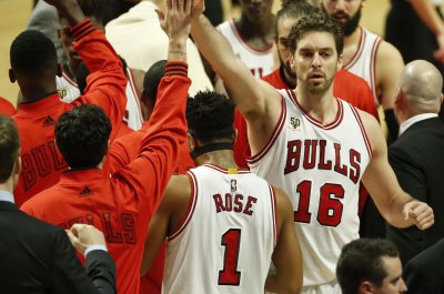 Pau Gasol, Chicago Bulls shut down Los Angeles Lakers