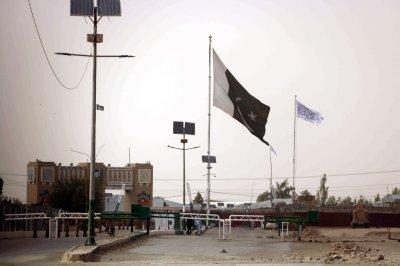 Taliban forces claim capture of key crossing on Afghan/Pakistani border