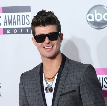 Robin Thicke arrested for alleged pot possession