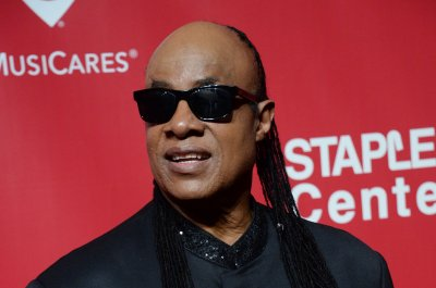 Stevie Wonder joins Prince tribute for the BET Awards