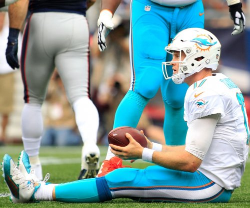 Adam Gase, Ryan Tannehill safe despite slow start