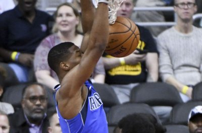 Reports: Mavs making Smith Jr available; Suns, Magic interested