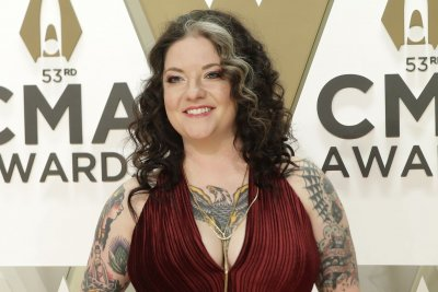 CMT Music Awards: Ashley McBryde joins as co-host, Taylor Swift to present