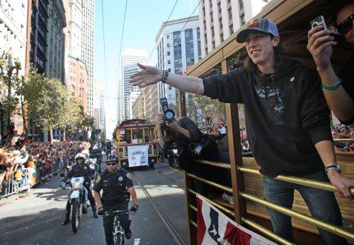Lincecum donates to beaten Giants fan