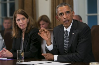 Obama works to calm fears over Ebola in the U.S.