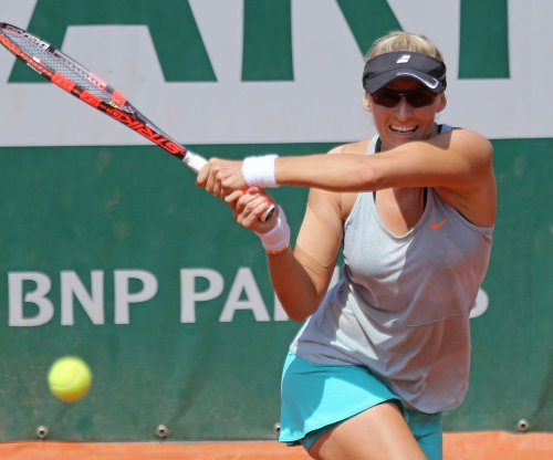 Long shot Mirjana Lucic-Baroni to meet Serena Williams in Australian Open