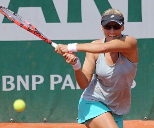 Long shot Mirjana Lucic-Baroni to meet Serena Williams in Australian Open