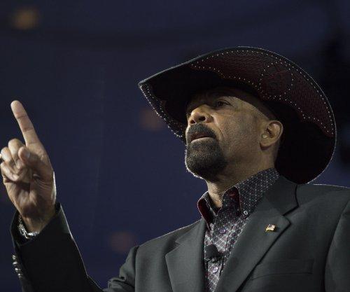 Milwaukee sheriff won't take Homeland Security post