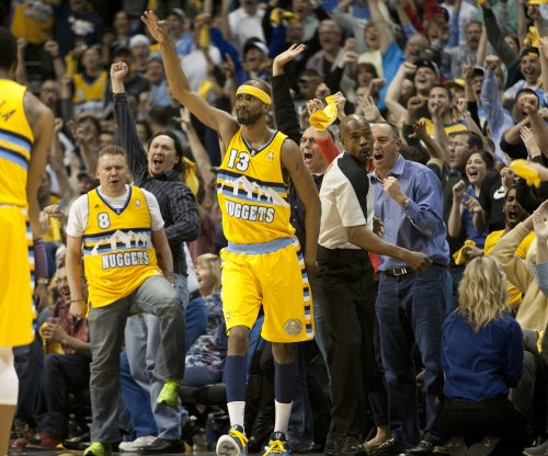 Denver Nuggets rout Los Angeles Lakers