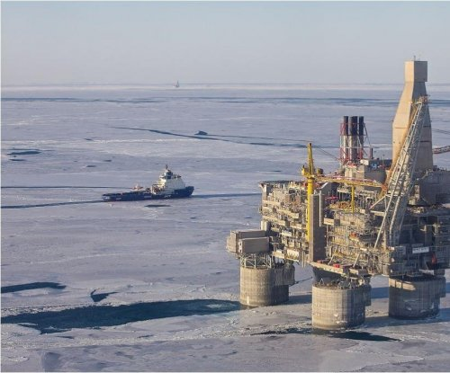 Russia taps Far East oil field