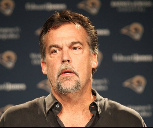 St. Louis Rams' Jeff Fisher focused on game, not relocation