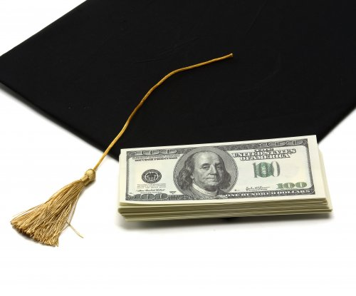 Virginia lawmakers consider student loan refinancing authority