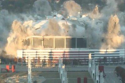4,000 pounds of explosives implode Atlanta's Georgia Dome
