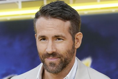 Ryan Reynolds says Deadpool in Marvel films would be 'explosive'