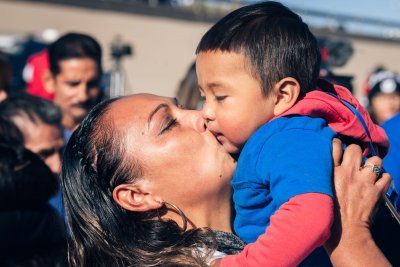 U.S. gov't this week to begin reuniting migrant families separated at border