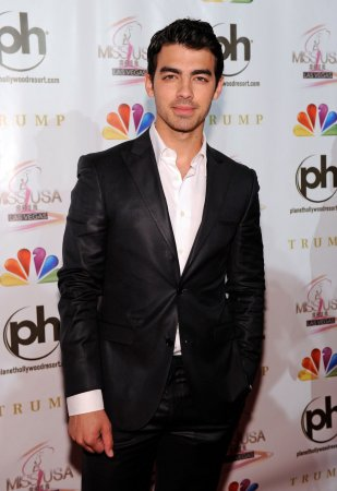 Joe Jonas talks drug use with Miley, losing his virginity