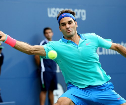 Federer wins Indian Wells opener