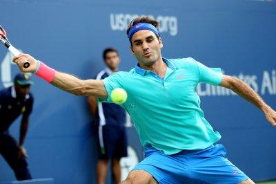 Federer wins Indian Wells opener