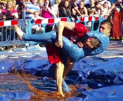 U.K. fighters gather for World Gravy Wrestling Championship