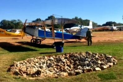 Crash of restored Curtiss 'Jenny' biplane kills two in Georgia