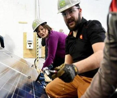 Alberta unveils solar-power rebate program