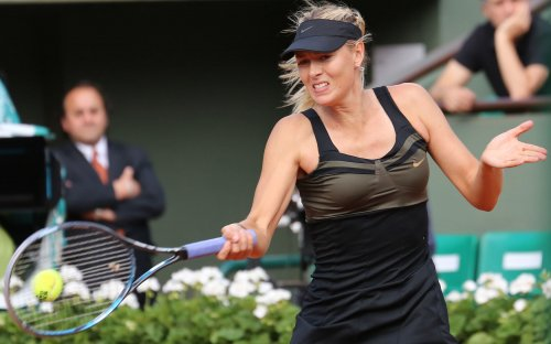 Sharapova, Errani in French Open final