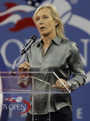 Navratilova hospitalized during climb