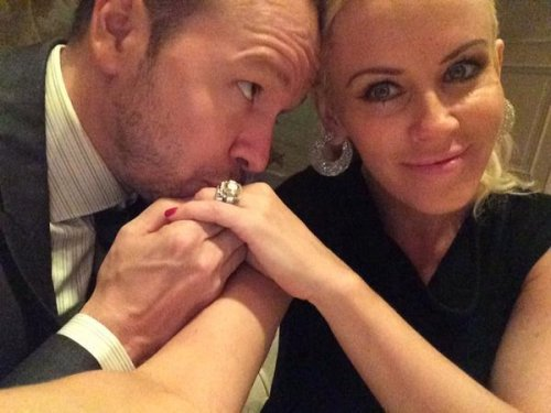 Jenny McCarthy, Donnie Wahlberg post newlywed selfie