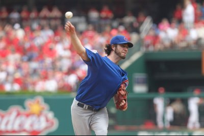 Chicago Cubs P Dan Haren announces retirement
