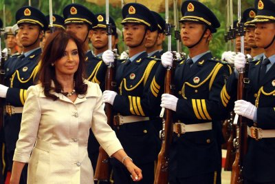 Ex-Argentine leader Kirchner charged, $633M frozen in corruption case